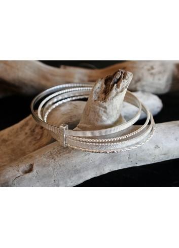 Bracelet joncs liés