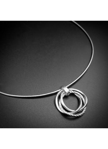 Collier anneaux de Borroméeen argent 925 rhodié.